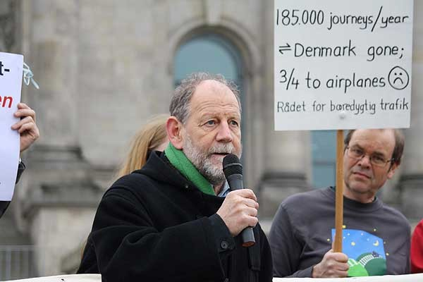 First get-together and common demonstration in Berlin