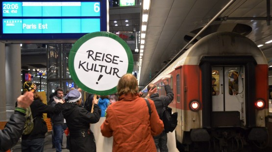 Medias tell about the 29.000+ signatures to save night trains